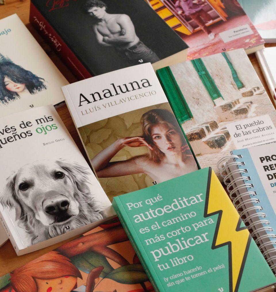 Foto de varios libros de UNO editorial.