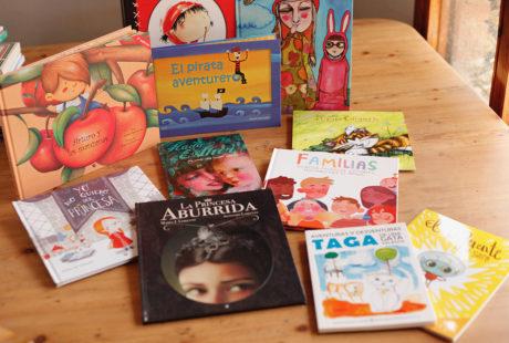 Foto de varios libros infantiles ilustrados.