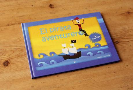 "Foto de la portada de ""El pirata aventurero""."